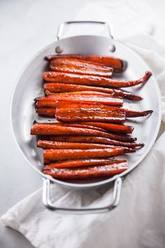 You'll love this recipe for Balsamic Glazed Carrots. It makes the perfect cold weather side dish and is simple to make as well! Balsamic Glazed Carrots, Delicious Vegan Recipes, Healthy Recipes, Carrot Recipes, Vegetarian Paleo, Base Foods, Vegetable Recipes, Cold Weather, Side Dishes