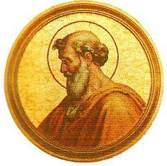 42.- San Bonifacio I (418-422)  Nació en Roma. Elegido el 28.XII.418, murió el 4.IX.422. La intervención de Carlos de Ravenna señaló el principio de la introducción del poder civil en la elección del Papa. Fue consagrado Papa siete meses después de ser elegido, por haberle sido contrapuesto el antipapa Eulalio.