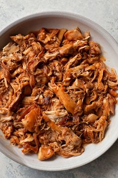 This Instant Pot BBQ Chicken is totally effortless. Perfect for busy weeknights or hot summer days. Pulled Chicken Recipes, Shredded Bbq Chicken, Crockpot Bbq Chicken, Chicken Nachos, Barbecue Chicken, Slow Cooker, Pressure Cooker Recipes, Pressure Cooker Bbq Chicken, Chicken Tenderloin Recipes