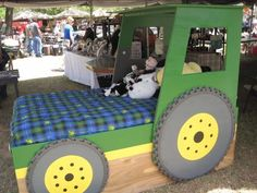 Greene Acres Hobby Farm: Antique Alley in Texas-what little boy wouldn't love this bed! John Deere Bedroom, Tractor Bedroom, Bed Plans, Kid Beds, Kids Bedroom, Bed Sizes, Toddler Bed, Toddler Rooms, Kid Furniture