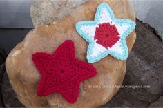 I was tinkering with making crochet stars earlier this summer and never got around to posting them. I like how they turned out, nice individually or maybe I should link them together into a garland...