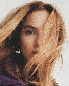 Jodie Comer from Killing Eve Five Jeans, Female Villains, Wearing Purple, Beauty And The Best, Sandra Oh, Jodie Comer, Pure Beauty, Girls In Love, Beautiful People