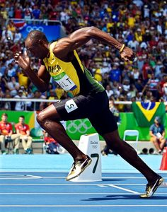 Usain Bolt, Source by felixschablitzk Usain Bolt Running, Usain Bolt Body, Usain Bolt Quotes, Pole Vault, Fastest Man, World Of Sports, Action Poses, Sports Stars, Muscle