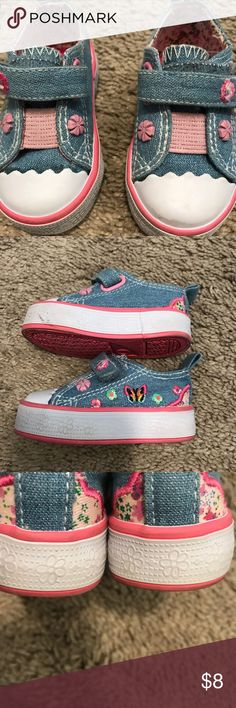 Baby girl sneakers Hard bottom. Perfect for learning how to walk. Good used condition. (See pictures and All angels captured in pictures )  Bogo deal item 💕. Buy one get one half off!! Shoes Baby & Walker
