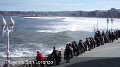 """Places to see in ( Gijon - Spain ) Playa de San Lorenzo  Playa de San Lorenzo is located in the center of Gijon . With a length of 1550 meters and shell shape Playa de San Lorenzo is one of the most emblematic beaches of Asturias . Playa de San Lorenzo extends from the staircase 0 ( """"La Cantábrica"""" ) located behind the Church of San Pedro  up the ladder number 16 (area popularly known as """"the Tostaderu"""") at the mouth of the river Piles . However a rocky area extends for a further three…"""