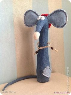 Sewing Art, Sewing Dolls, Sewing Crafts, Sewing Projects, Jean Crafts, Denim Crafts, Mouse Crafts, Denim Ideas, Fabric Toys