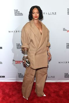 Rihanna Photos Photos - Honoree Rihanna attends the Annual Parsons Benefit at Pier 60 on May 2017 in New York City. - The Annual Parsons Benefit Mode Rihanna, Rihanna Style, Rihanna Fenty, Rihanna Fashion, Runway Fashion, Fashion Outfits, Photos Rihanna, Rihanna Outfits, Rihanna Red Carpet