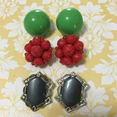 Signed CORO Thermoset Earrings Red Lucite Hong Kong Clip Green Retro Lot Clips #CoroHongKong #cluster Bead Earrings, Clip On Earrings, Music City Nashville, My Ebay, Hong Kong, Retro Vintage, Vintage Jewelry, Jewelry Accessories, Green