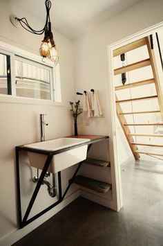 60 Cool Farmhouse Powder Room Design Ideas With Rustic – Best Home Decorating Ideas - Page 12 Bad Inspiration, Bathroom Inspiration, Mini Loft, Powder Room Design, Interiores Design, Small Bathroom, Bathroom Pink, Small Sink, Attic Bathroom
