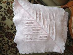 Embroidered baby blanket in pink  Κεντημένη κουβέρτα για μωρά σε ροζ Baby Blankets, Knit Crochet, Throw Pillows, Knitting, Toss Pillows, Cushions, Tricot, Decorative Pillows, Cast On Knitting