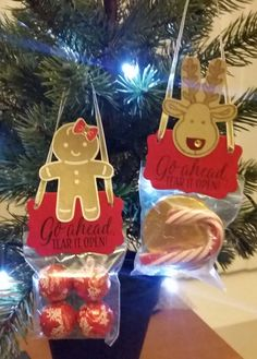 Stampin' Up! Demonstrator stampwithpeg :Sweet Treat Tree Decorations : Cookie Cutter Punch with Tin of Tags – Craft Fair goodies. How cute are these and oh so easy to make, last week