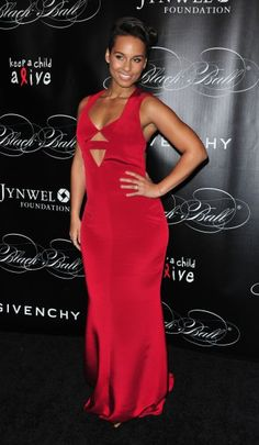 Alicia Keys attends 10th Annual Keep a Child Alive Black Ball in NYC wearing Cushnie et Ochs.