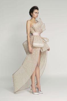 Paris Haute Couture Fashion Week: Rami Al Ali Spring/Summer Look Fashion, Runway Fashion, Fashion Show, Fashion Design, Fashion News, Latest Fashion, Couture Dresses, Fashion Dresses, Rami Al Ali