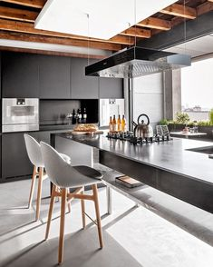 Trying to find luxury kitchen design inspiration? Have a look at our leading 63 much-loved examples of seriously elegant luxury kitchens as well as unique. Contemporary Kitchen Cabinets, Modern Kitchen Design, Modern Interior Design, Interior Design Kitchen, Interior Architecture, Kitchen Designs, Luxury Interior, Luxury Kitchens, Home Kitchens