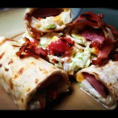 Burritos de salchicha asada con maple.....