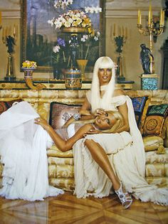 1000 images about donatella versace on pinterest. Black Bedroom Furniture Sets. Home Design Ideas