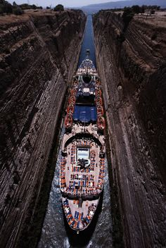 Canal of Corinth by Vangelis Rassias on 500px