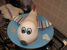Airplane Cake by Cake Fiction by Mel, via Flickr
