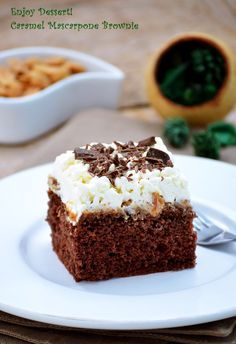 Ca imi plac negresele nu mai este un secret ( de fapt imi cam place orice e… Caramel Brownies, Brownie Bar, Something Sweet, Fudge, Diet Recipes, Delish, Food And Drink, Ice Cream, Sweets