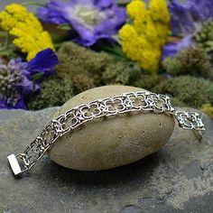 lovely bracelet - almost tudor/gothic