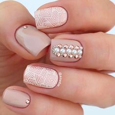Whoever said nail art requires longer nails has never tried this trendy art on short nails. If you browse online, you'll be bombarded with an array of nail art designs in no time. Matte Nails, My Nails, Silver Nails, Nail Art Designs, Nail Art Halloween, Graduation Nails, Square Acrylic Nails, Prom Nails, Nail Decorations