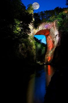 Natural Bridge, Blue Ridge Mountains, Virginia wonders of the world) It is beautiful! There is a cool wax museum there & caverns to visit too. Places Around The World, Oh The Places You'll Go, Places To Travel, All Nature, Amazing Nature, Nature Images, Nature Photos, Beautiful World, Beautiful Places