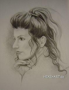 Deanna Troi, pencil