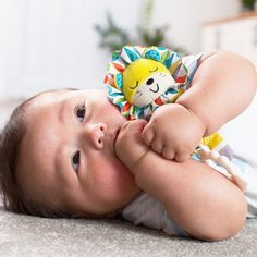 Infantino's Chime Lion is a newborn must-have. This soft, plush toy includes a teether & cotton knit body, easily links to car seats, strollers, and more. Lion, Kids Outfits Girls, Car Seats, Infant, Activities, Knitting, Toys, Children, Prints