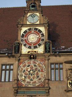 From Wikiwand: Reloj astronómico del Ayuntamiento de Heilbronn en Alemania .