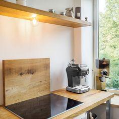 / kitchen with oak elements for a Prague apartment / ⠀⠀⠀⠀⠀⠀⠀⠀⠀ 📷: Viktor Chlad ⠀⠀⠀⠀⠀⠀⠀⠀⠀ #dubahardwood #Czechdesign #woodworkshop #kitchen #oakkitchen #oakhardwood Prague Apartment, Woodworking Shop, Shelves, Kitchen, Instagram, Design, Home Decor, Shelving, Cooking