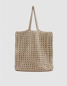 Lauren Manoogian / Crochet Net Bag in Natural – makramee Crochet Market Bag, Crochet Tote, Crochet Handbags, Crochet Purses, Filet Crochet, Easy Crochet, Knit Crochet, Purse Patterns, Crochet Patterns