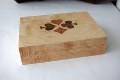 Boite pour jeux de cartes/Coffret en marqueterie en loupe d'érable quilt : Boîtes, coffrets par papier-bois-et-coquillages