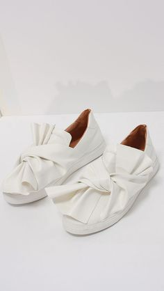 a dream of white shoes