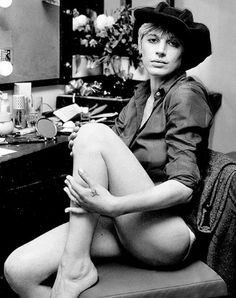 The Top 10 Most Stylish Women of Rock and Roll - College Fashion Marianne Faithfull, Rock And Roll, Women Of Rock, Foto Art, Cultural, College Fashion, Female Singers, Rolling Stones, Style Icons