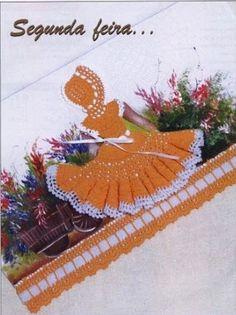 Crochet Doll Dress Applique Patterns 1