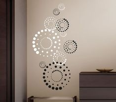Wall decal circles circles in 2 colors .- Wandtattoo Kreise Circles Punkte in 2 Far… – Wall decal circles circles in 2 colors … – # - Simple Wall Paintings, Creative Wall Painting, Wall Painting Decor, Diy Wall Decor, Home Decor, Creative Walls, Bedroom Wall Designs, Wall Art Designs, Wall Drawing