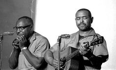 Sonny Terry & Brownie McGee.