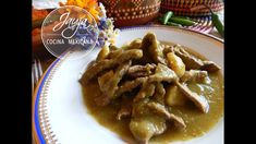 Bistec en Salsa Verde con Papas - YouTube Meet Recipe, Chicharrones, Mexican Dishes, Chicken Wings, Meat, Youtube, Recipes, Food, Green Tomato Salsa
