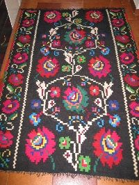 This is a vintage traditional Romanian woven wool carpet / rug with floral pattern . Wool Carpet, Rugs On Carpet, Encaustic Tile, Floor Rugs, Vintage Rugs, Bohemian Rug, Hand Weaving, Textiles, Flooring