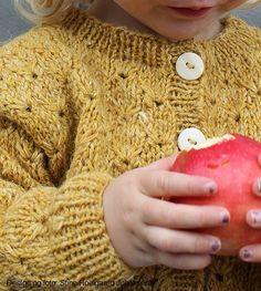 Image of Brombærkrat Knitting For Kids, Knitting Projects, Knitting Patterns, Newborn Crochet, Crochet Baby, Chrochet, Children, Inspiration, Design