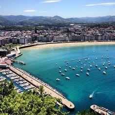 La gente habla de San Sebastian, la ciudad mas bonita del mundo y sin discusiones..