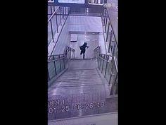 Bajado las escaleras - videos de humor - humor variado | elRellano.com