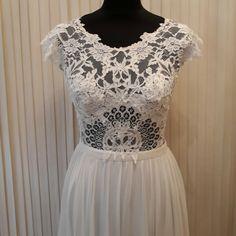 #Remshardt #bridal #Brautkleider #Brautkleiderberlin #hochzeitskleid #bridalcouture #highfashion #couturedress #hautecouture #wedding #weddinggowns #weddingdresses #brautkleidausspitze #Brautkleiderberlin #laceweddingdress #laceweddinggown #spitzenkleid #spitze #madetomeasure #bohobride #vintagewedding #fineartwedding  #instabride #instawedding g #hochzeit2018 #instabräute #heiraten2018