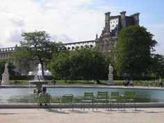 Tuilleries ~ We sat and had class right there by the fountain.