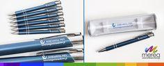 Niebieski długopisy z grawerem, oraz etui na długopisy z nadrukiem dla księgarni PWN