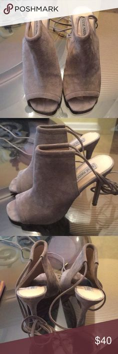 Women's Suede Steve Madden Heels Beautiful gray Steve Madden Shoes. Size 8. Some wearage on the bottom, but the top and sides of the shoe look great. Suede. Open heel and has straps Steve Madden Shoes Heeled Boots