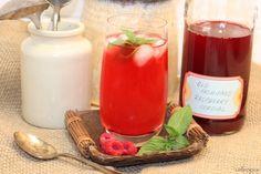 A Canadian Picnic Menu - circa 1867 featuring Old Fashioned Raspberry Cordial | urbnspice.com