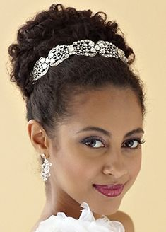 Wedding hairstyle for black women: Beautiful style and hair band