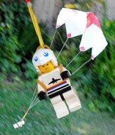 Zelf een parachute maken.