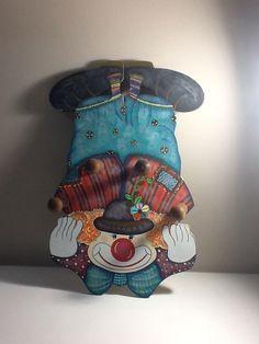 Cabideiro de palhaço pintado  em mdf